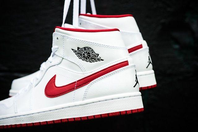 Air Jordan 1 Mid White Gym Red 4