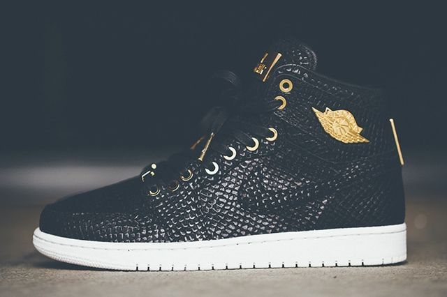 Air Jordan 1 Pinnacle Black Gold 5
