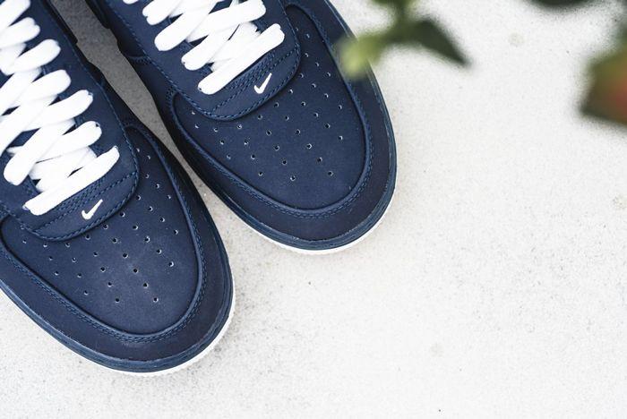 Nike Air Force 1 Obsidian 2