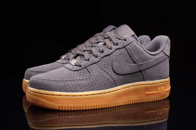 Nike Air Force 1 (Dark Grey/Gum