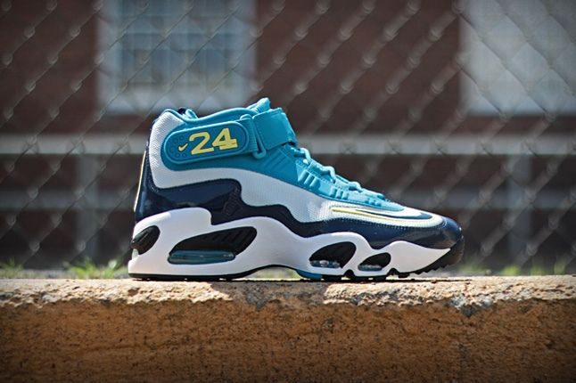 Nike Air Griffey Max1 Midnavy Neoturquoise Profile 1
