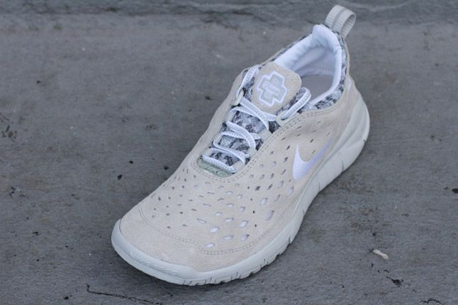Nike Free Trail White Neutral Grey Quater Front 1