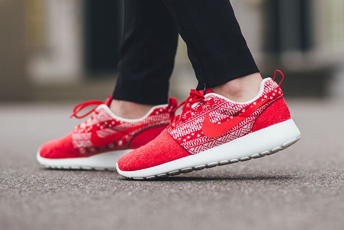 Nike Roshe One Winter Wmns Sweater Pack7