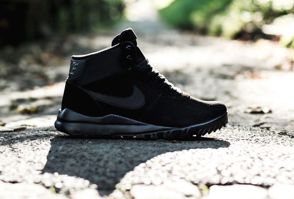 Nike Woodland Suede Triple Black 5