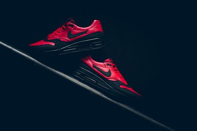 Nike Am1 Ltr Gym Red Politics Bumper 4