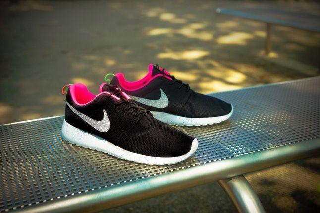 Nike Size Urbansafari Pack Pt2 Blk Profile 1