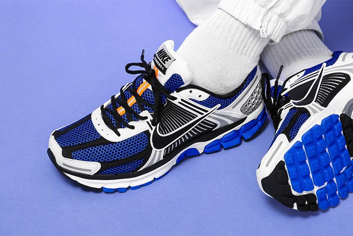 Nike Vomero 5 Se Sp Racer Blue Electric Green Dark Grey On Foot Top Shot