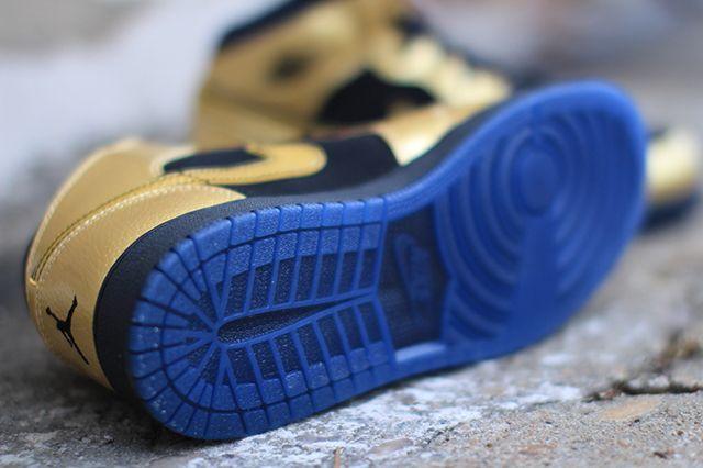 Air Jordan 1 Gs Gold Coin 4