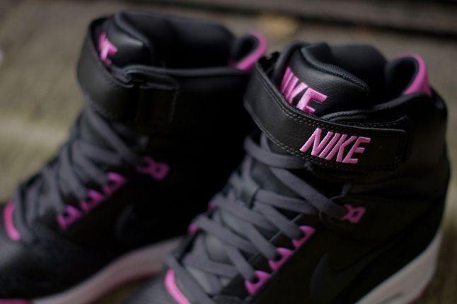 Nike Revolution Sky Hi Prplsafari Strap Detail