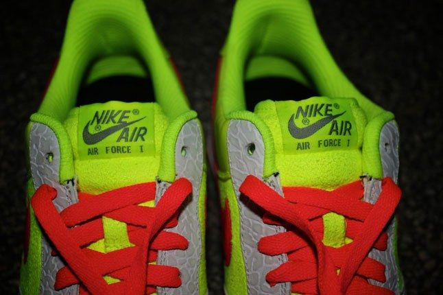 Air Force 1 Sneakerbox Clyde High Vis 6 1