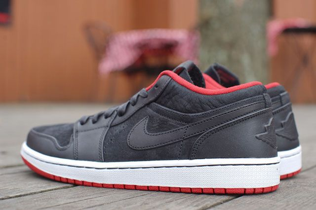 Air Jordan 1 Low Nouveau Heel