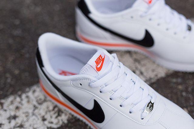 Nike Cortez Basic Leather White Wlack Orange Kopie 3