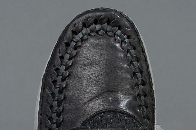 Nike Solarsoft Moc Woven Prm Black Challenge Red Toe Detail 1