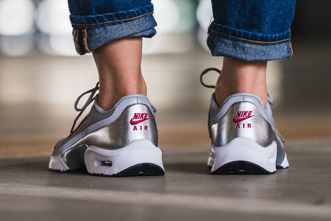 Nike Air Max Jewell Womens Silver Bullet