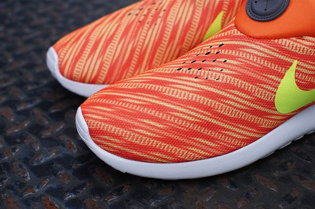 Nike Roshe Run Slip On Electric Orange Atomic Mango 4