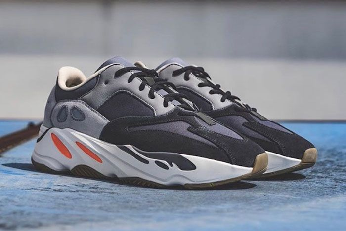 Yeezy Adidas Boost 700 Magnet Right