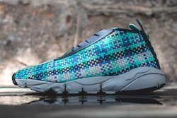 Nike Air Footscape Desert Chukka Hyper Jade Thumb