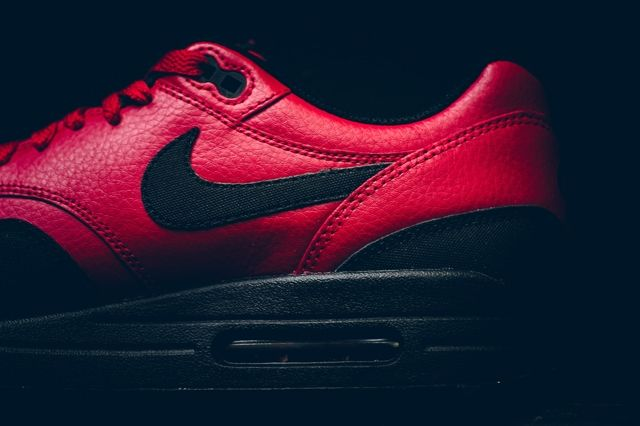 Nike Am1 Ltr Gym Red Politics Bumper 1