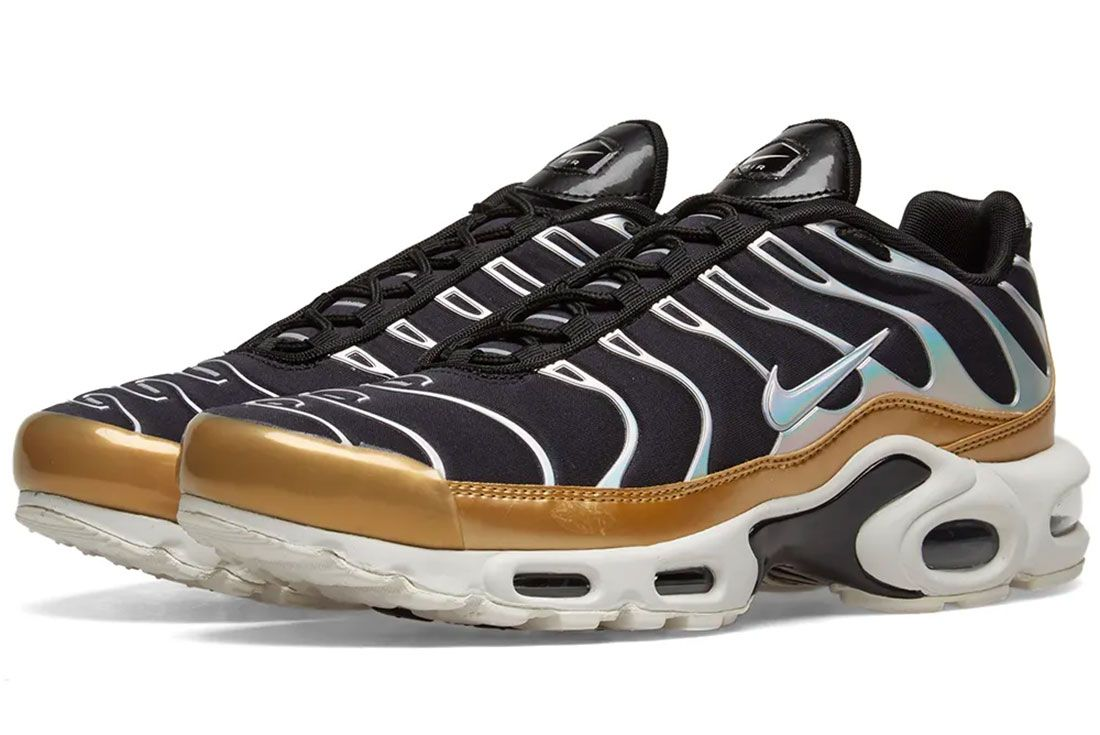 Nike Air Max Plus Black Gold Pair Shot