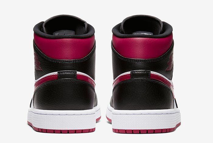 Air Jordan 1 Bred Toe 554724 066 Heel Shot