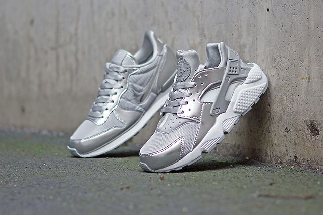Nike Wmns Silver Pack