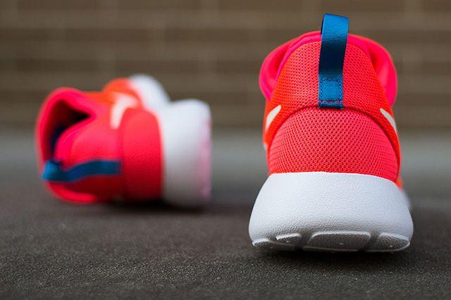 Nike Roshe Run Slip On Laser Crimson