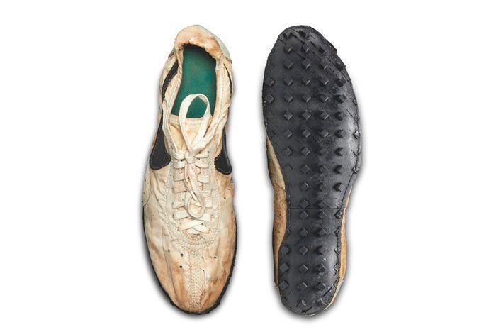Nike Waffle Racer Moon Shoe Top Sole