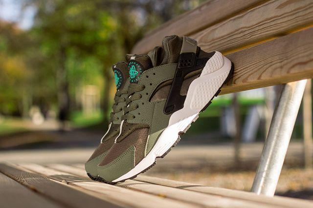 Nike Air Huarache Iron Green 4