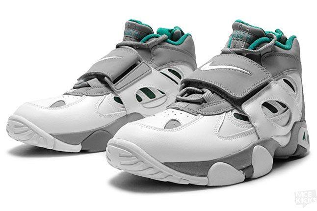 Nike Diamond Turf 2 2 1