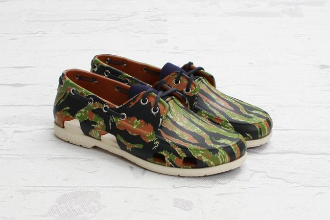 Crocs Elite Camo Boat Shoe Reverse Angle 1