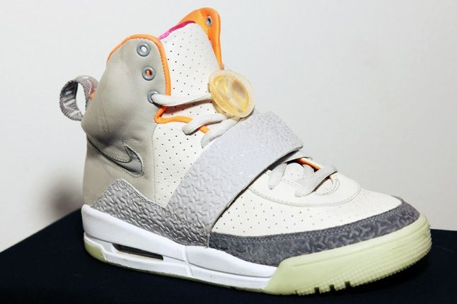 Franalations Nike Air Yeezy 1 1
