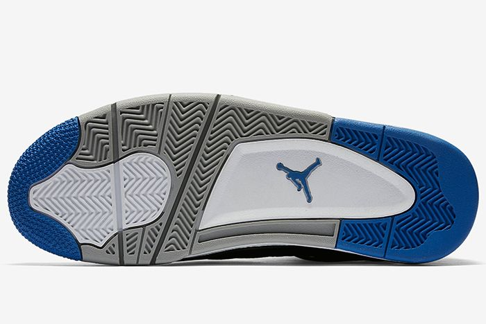 Air Jordan 4 Royal 5