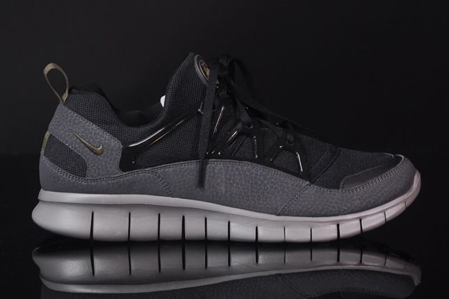 Nike Free Hua Light Scwarz Grau Profile 1