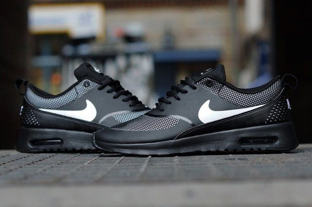 Nike Air Max Thea Black White 3