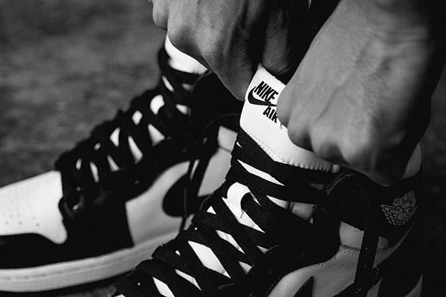 Air Jordan 1 Black White 3