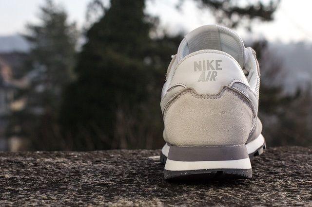 Nike Wmns Air Pegasus 83 Summit White 3