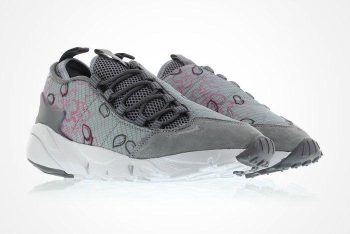 Nike Air Footscape Sakura Feature