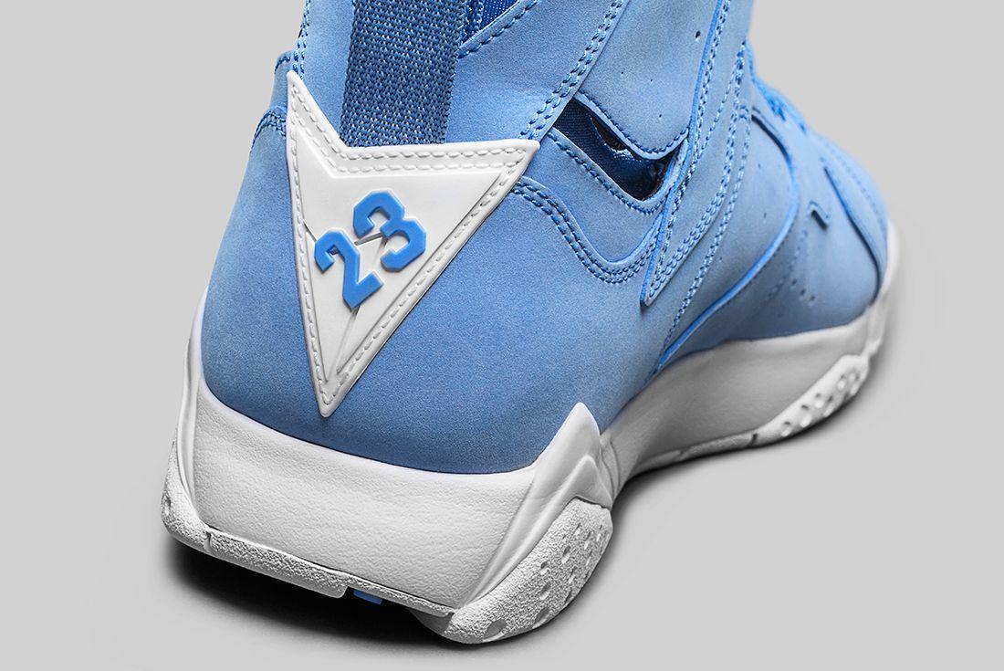 Air Jordan 7 University Blue2