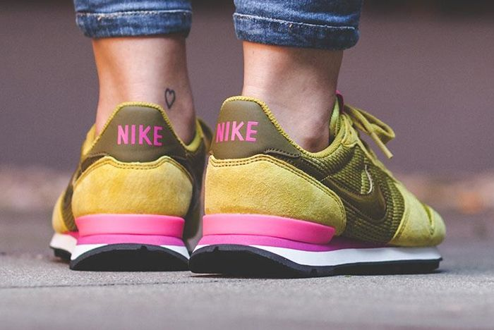 Nike Internationalist Wmns Peat Moss3