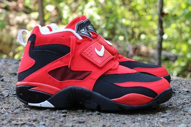 Nike Air Diamond Turf Red Profile