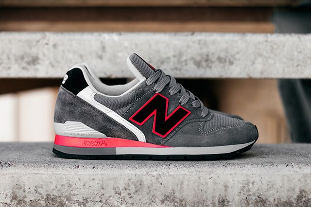 New Balance 996 Grey Red 3