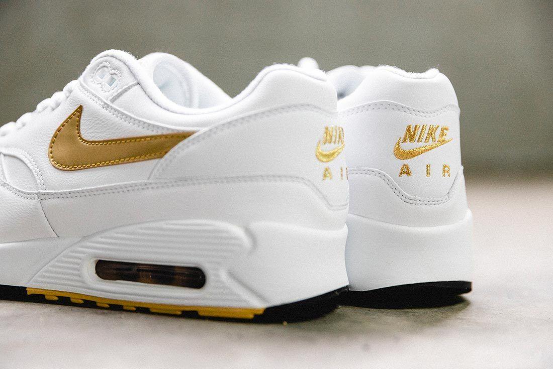 Nike Air Max 90 Gold 4