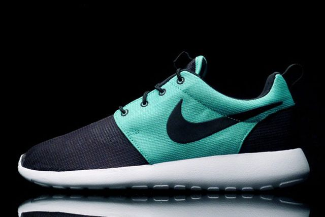 Nike Roshe Run Tiffany 1