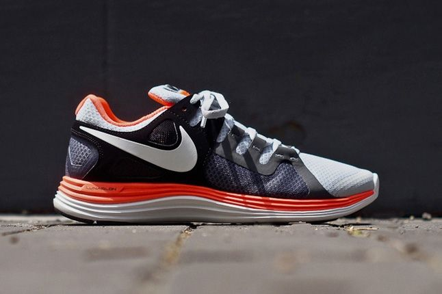 Nike Lunarflash Platinum Crimson Profile 1