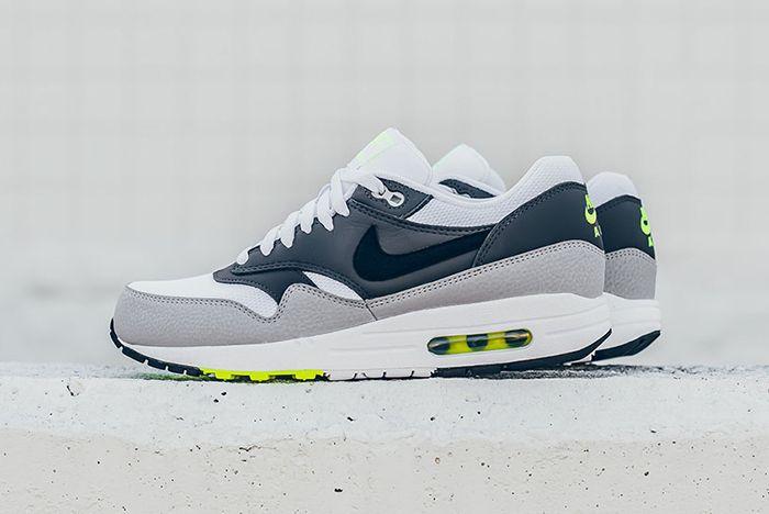 Nike Air Max 1 Neon10