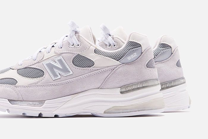 New Balance 992 White Silver Close Lateral
