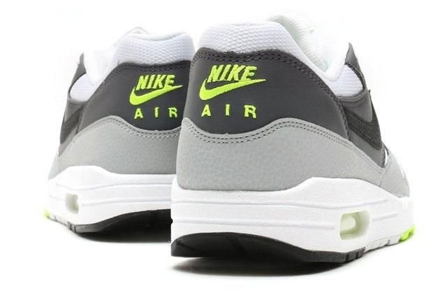 Nike Air Max 1 Neon2