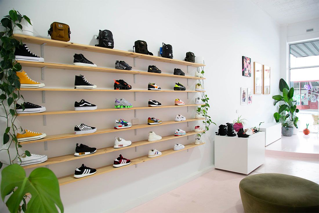 Nike Female Sneakers Store Sole Finess Inside