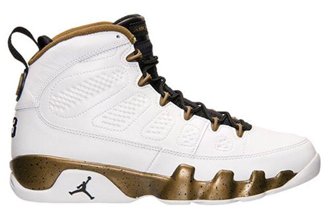 Air Jordan 9 Statue2