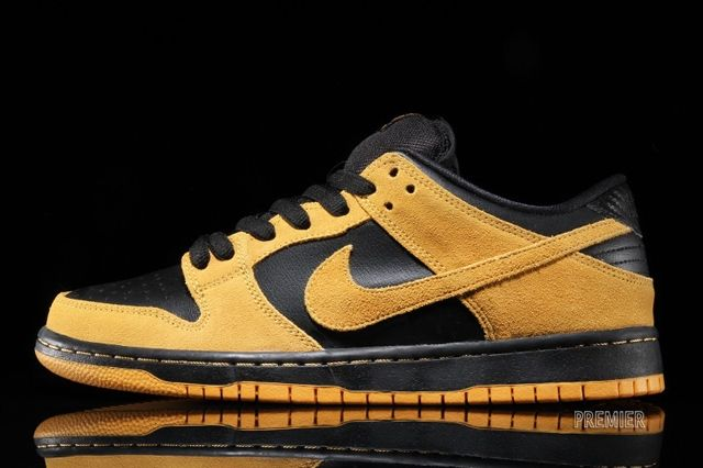 Nike Sb Dunk Low Iowa 1